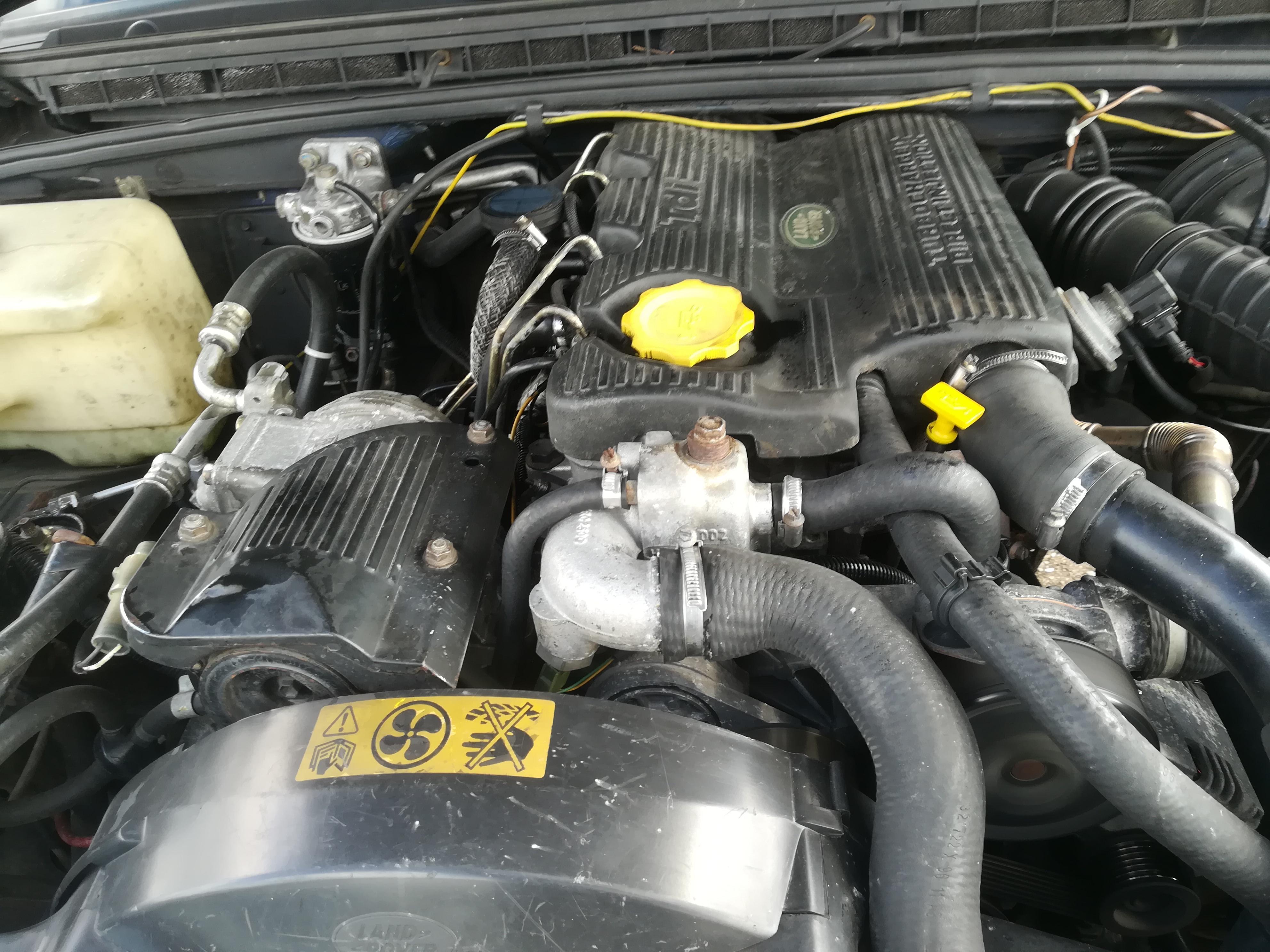 Naudotos automobiliu dallys Foto 2 Land-Rover DISCOVERY 1995 2.5 Mechaninė Visureigis 4/5 d. Melyna 2019-7-12 A4622