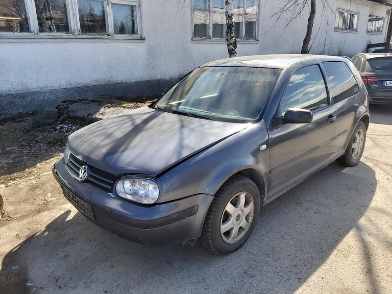 Naudotos automobiliu dallys Foto 4 Volkswagen GOLF 2000 1.9 Mechaninė Hečbekas 2/3 d. Pilka 2020-3-31 A5182