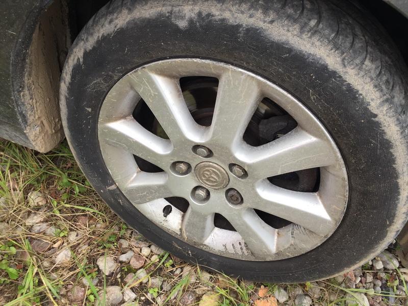 Naudotos automobilio dalys Toyota COROLLA VERSO 2005 2.0 Mechaninė Vienatūris 4/5 d. Pilka 2018-7-25