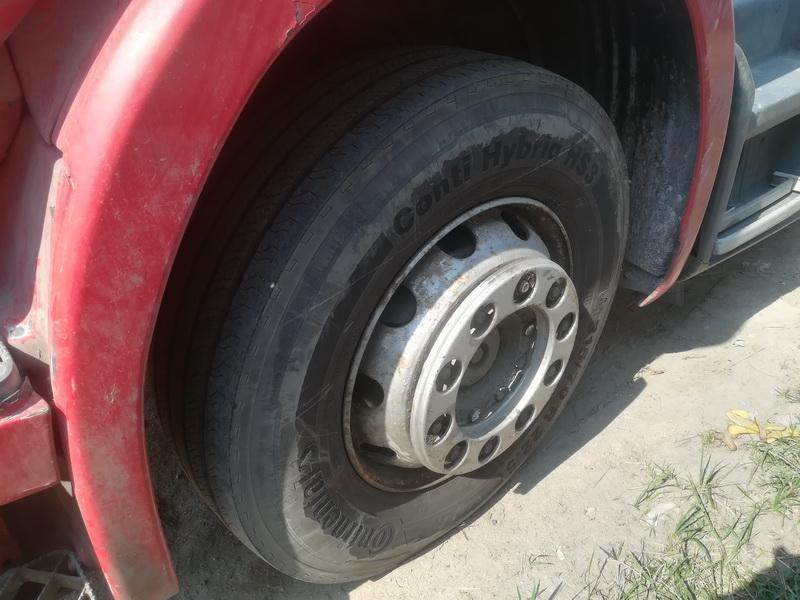 Naudotos automobiliu dallys Foto 4 Truck -Scania 124L 2001 11.7 Mechaninė Vilkikas 2/3 d. Raudona 2019-4-24 A4451