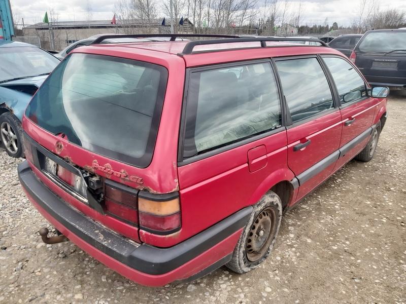 Naudotos automobiliu dallys Foto 8 Volkswagen PASSAT 1992 1.9 Mechaninė Universalas 4/5 d. Raudona 2020-4-10 A5207