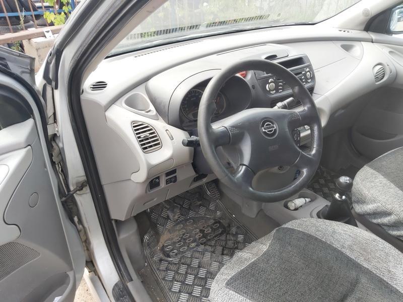 Подержанные Автозапчасти Nissan ALMERA TINO 2000 2.2 машиностроение минивэн 4/5 d. Серый 2020-8-03