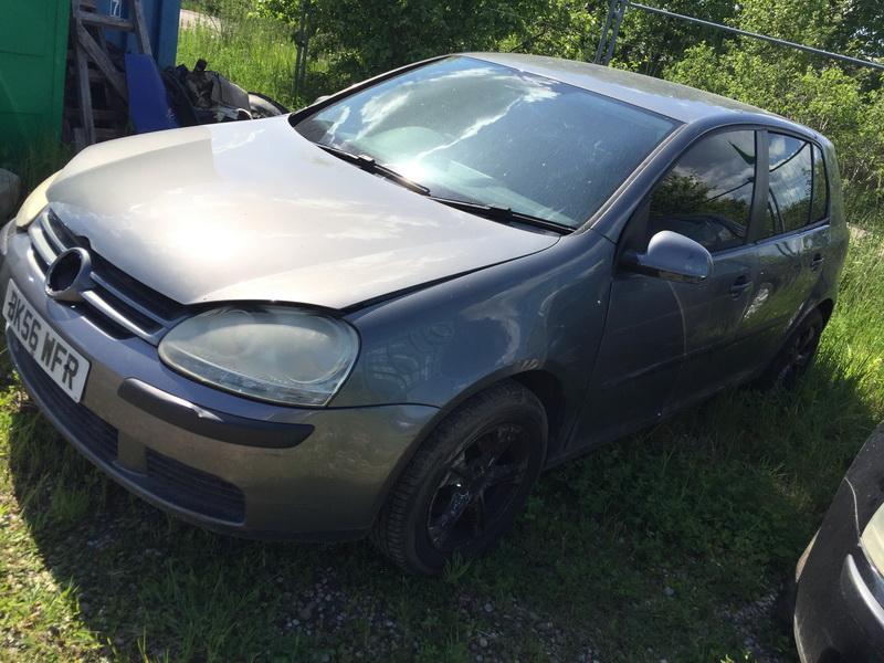 Naudotos automobiliu dallys Foto 4 Volkswagen GOLF 2006 1.4 Mechaninė Hečbekas 4/5 d. Pilka 2018-5-24 A3788