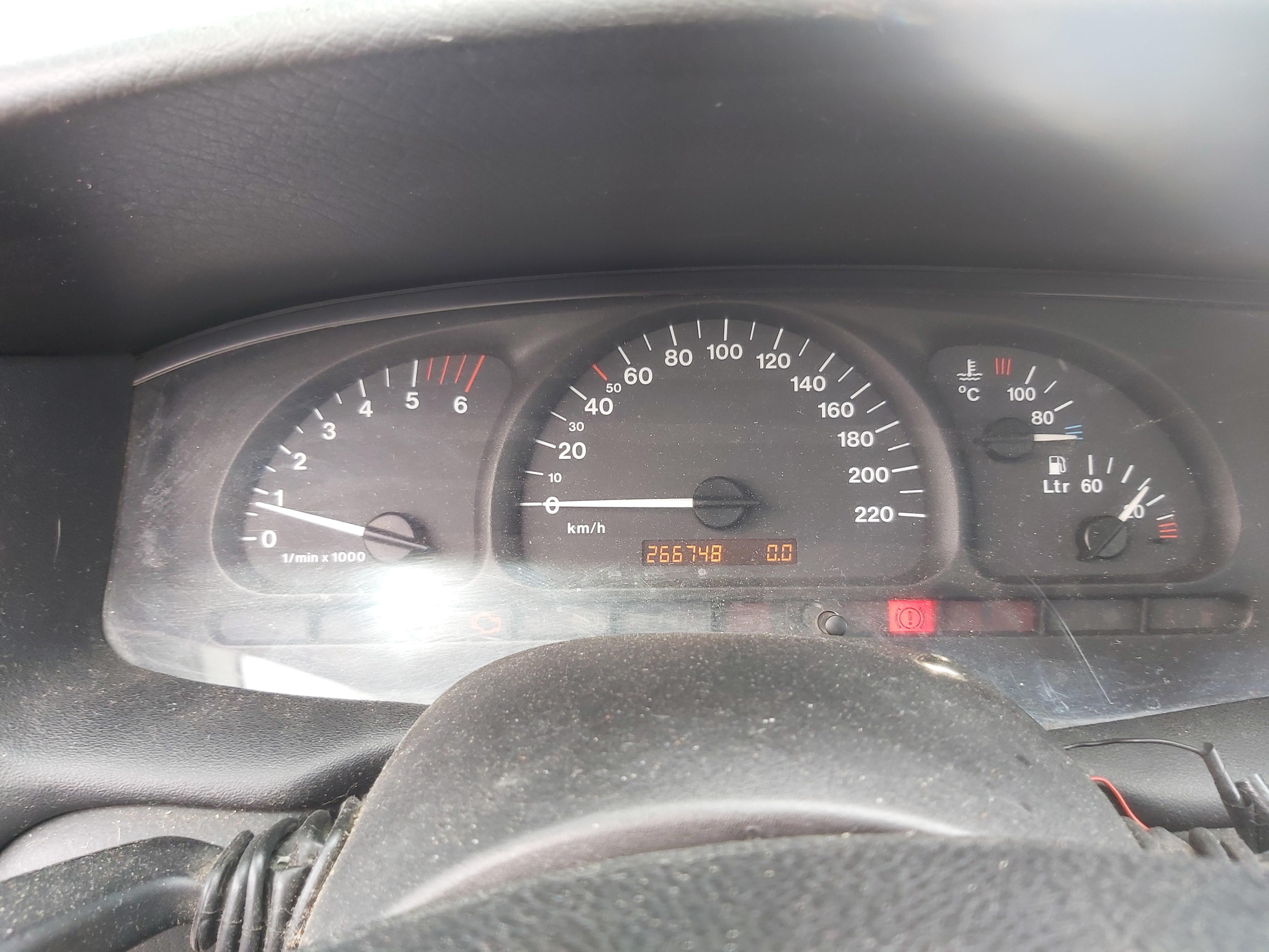 Naudotos automobilio dalys Opel VECTRA 2000 2.0 Mechaninė Sedanas 4/5 d. Pilka 2020-5-26