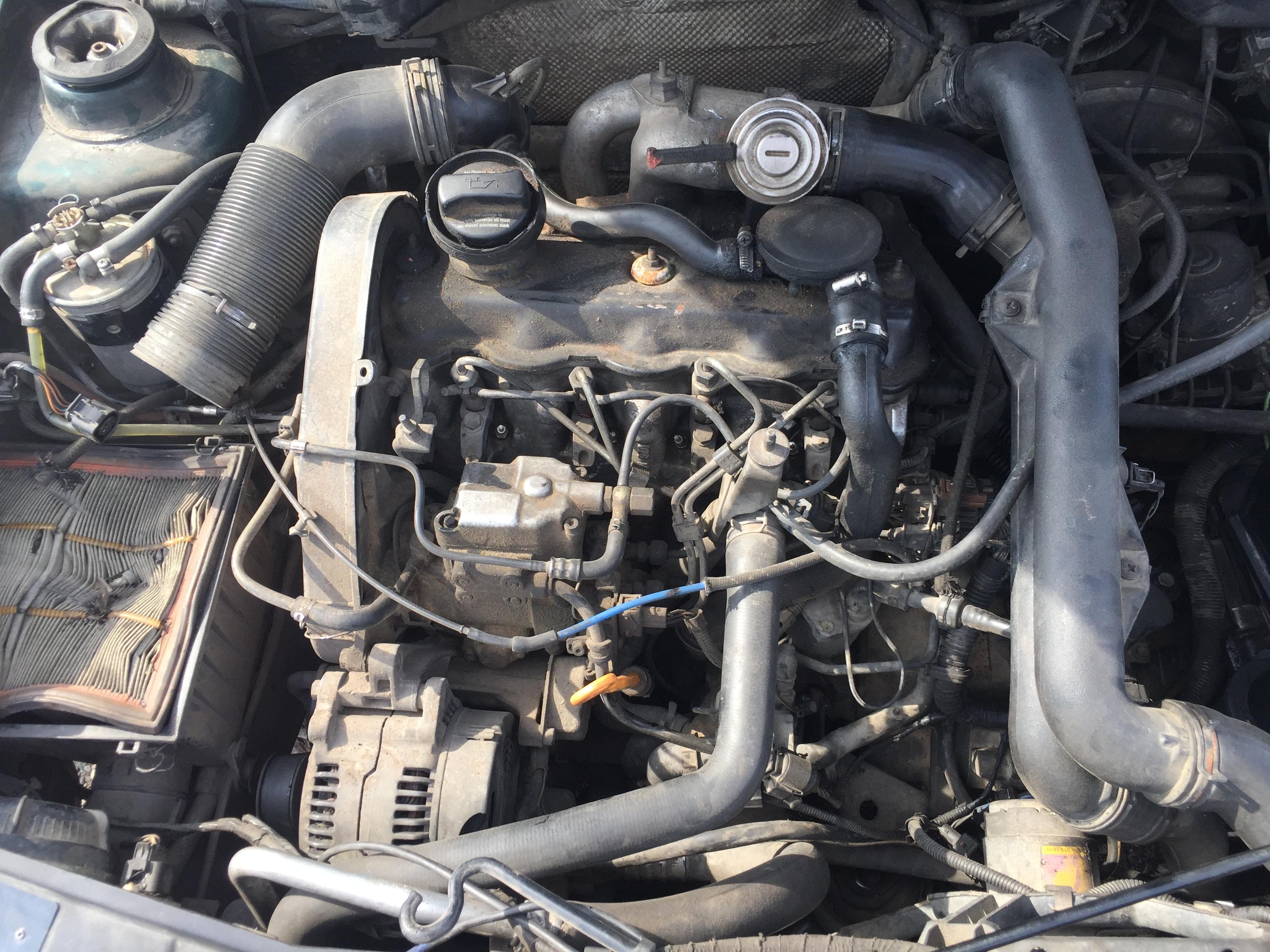 Naudotos automobiliu dallys Foto 2 Volkswagen GOLF 1998 1.9 Mechaninė Universalas 4/5 d. Zalia 2017-8-10 A3396