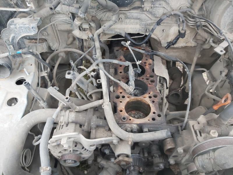 Used Car Parts Foto 2 Kia SORENTO 2004 2.4 Mechanical Jeep 4/5 d. Grey 2020-10-22 A5784
