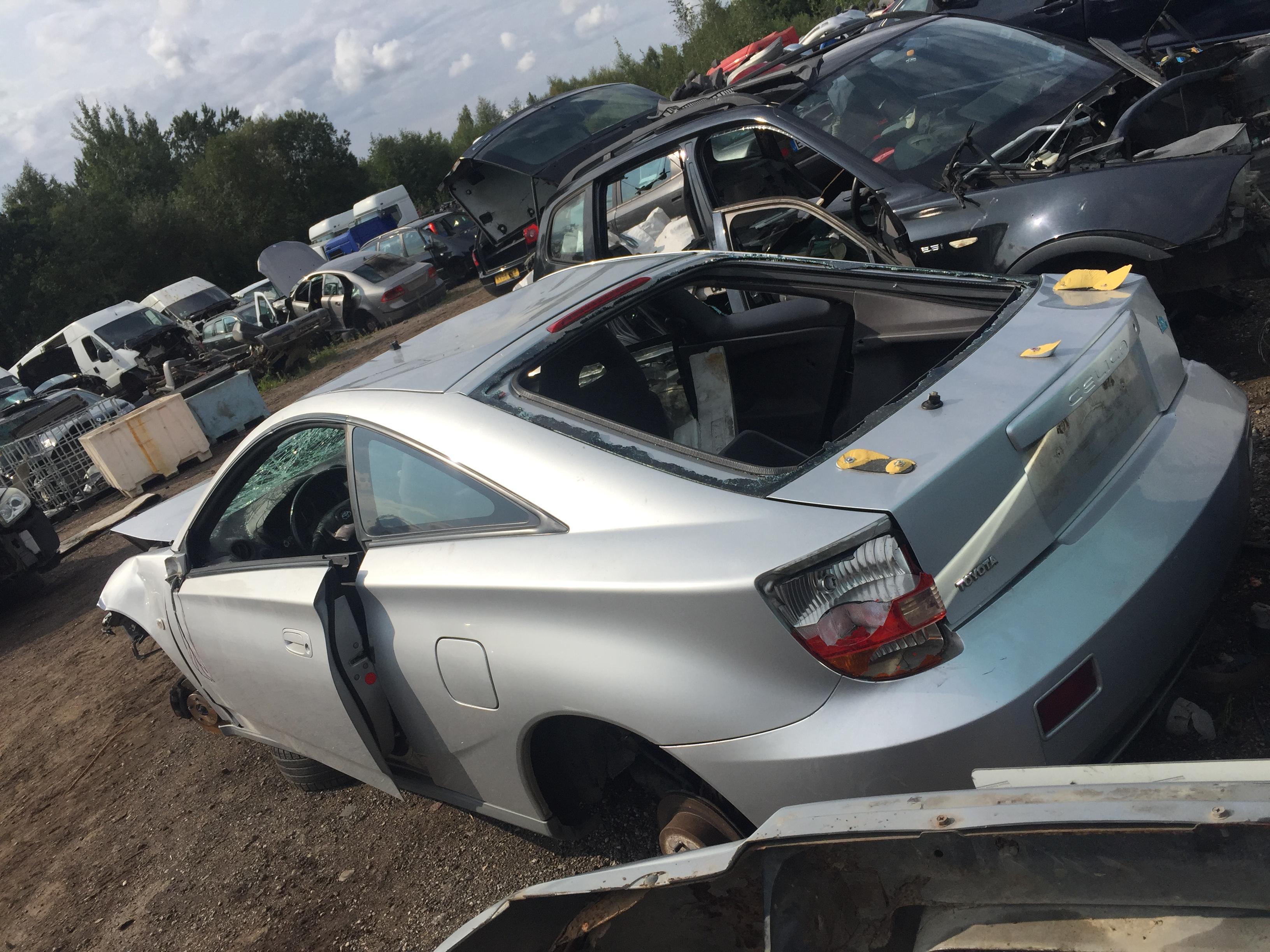 Naudotos automobilio dalys Toyota CELICA 2001 1.8 Mechaninė Kupė 2/3 d. Sidabrine 2018-8-28