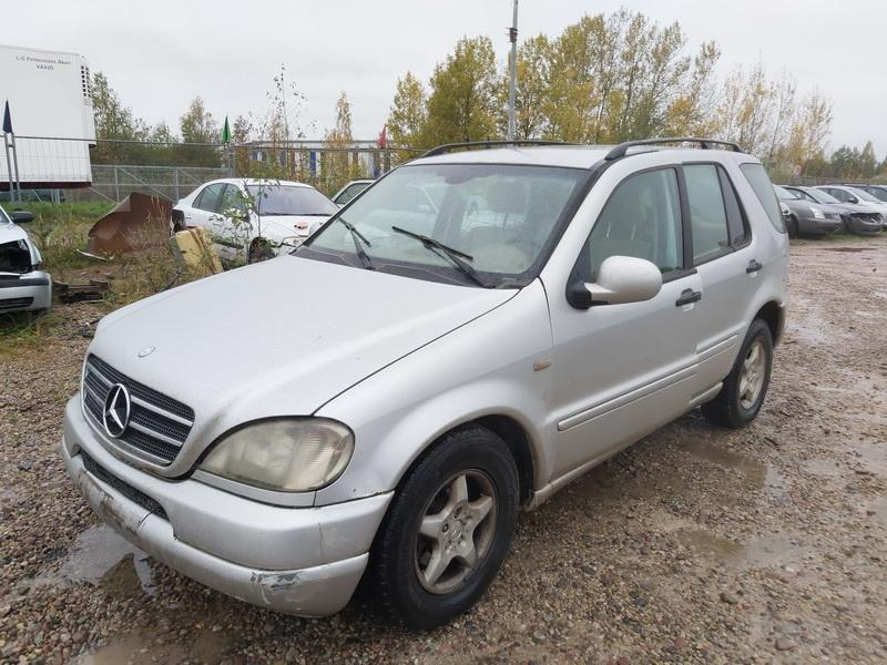 Naudotos automobiliu dallys Foto 4 Mercedes-Benz ML-CLASS 2001 2.7 Automatinė Visureigis 4/5 d. Pilka 2020-10-14 A5757