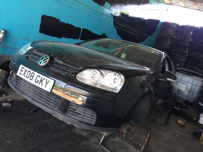 Volkswagen GOLF 2008 1.4 машиностроение