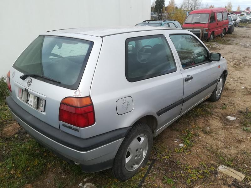 Naudotos automobiliu dallys Foto 8 Volkswagen GOLF 1995 1.9 Mechaninė Hečbekas 2/3 d. Pilka 2019-10-15 A4835