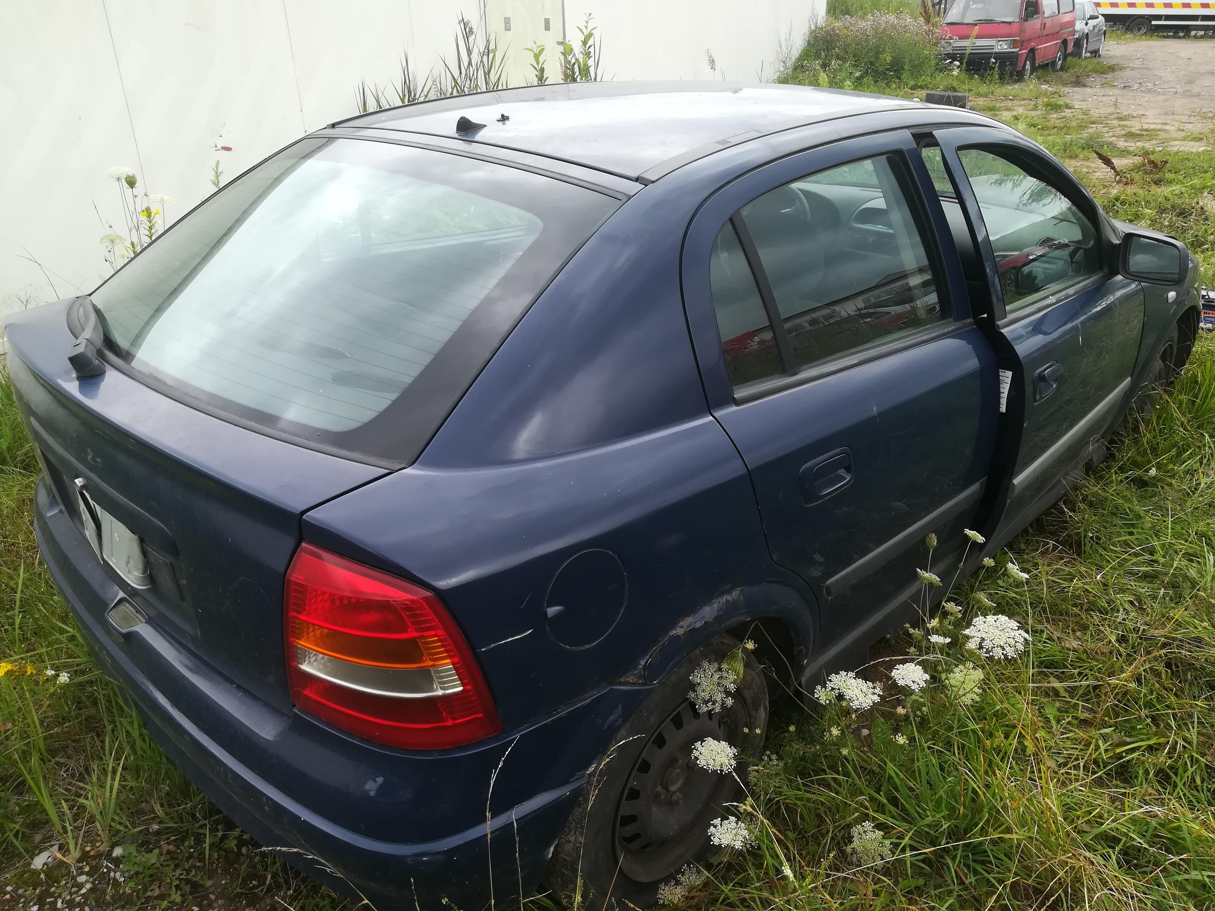 Naudotos automobiliu dallys Foto 8 Opel ASTRA 2001 1.7 Mechaninė Hečbekas 4/5 d. Melyna 2019-7-18 A4636