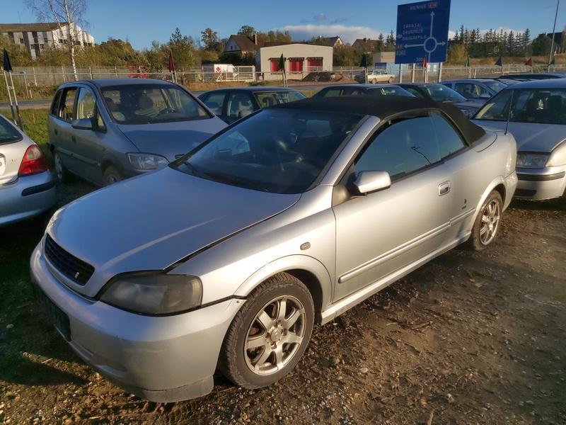 Naudotos automobiliu dallys Foto 3 Opel ASTRA 2002 1.6 Mechaninė Kabrioletas 2/3 d. Pilka 2020-10-16 A5763
