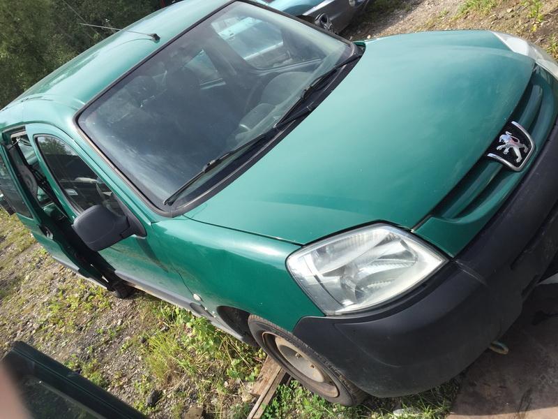 Naudotos automobiliu dallys Foto 3 Peugeot PARTNER 2004 1.9 Mechaninė Komercinis 4/5 d. Zalia 2018-7-23 A3966