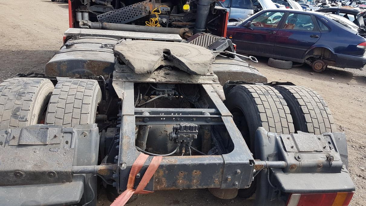 Naudotos automobilio dalys Truck - Renault MAGNUM 2002 12.0 Mechaninė Vilkikas 2/3 d. Raudona 2017-5-18