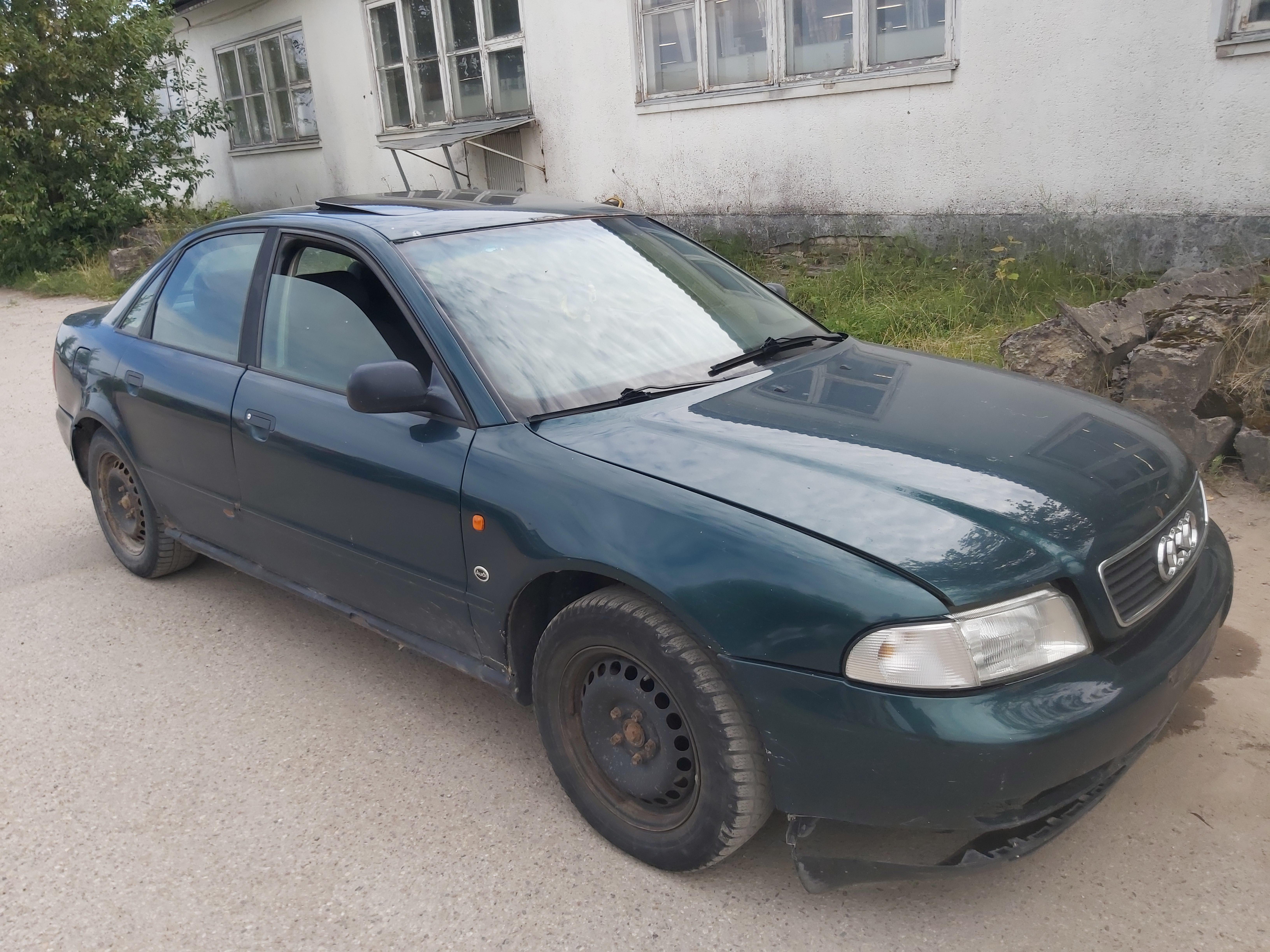 Подержанные Автозапчасти Audi A4 1996 1.8 машиностроение седан 4/5 d. зеленый 2020-8-04