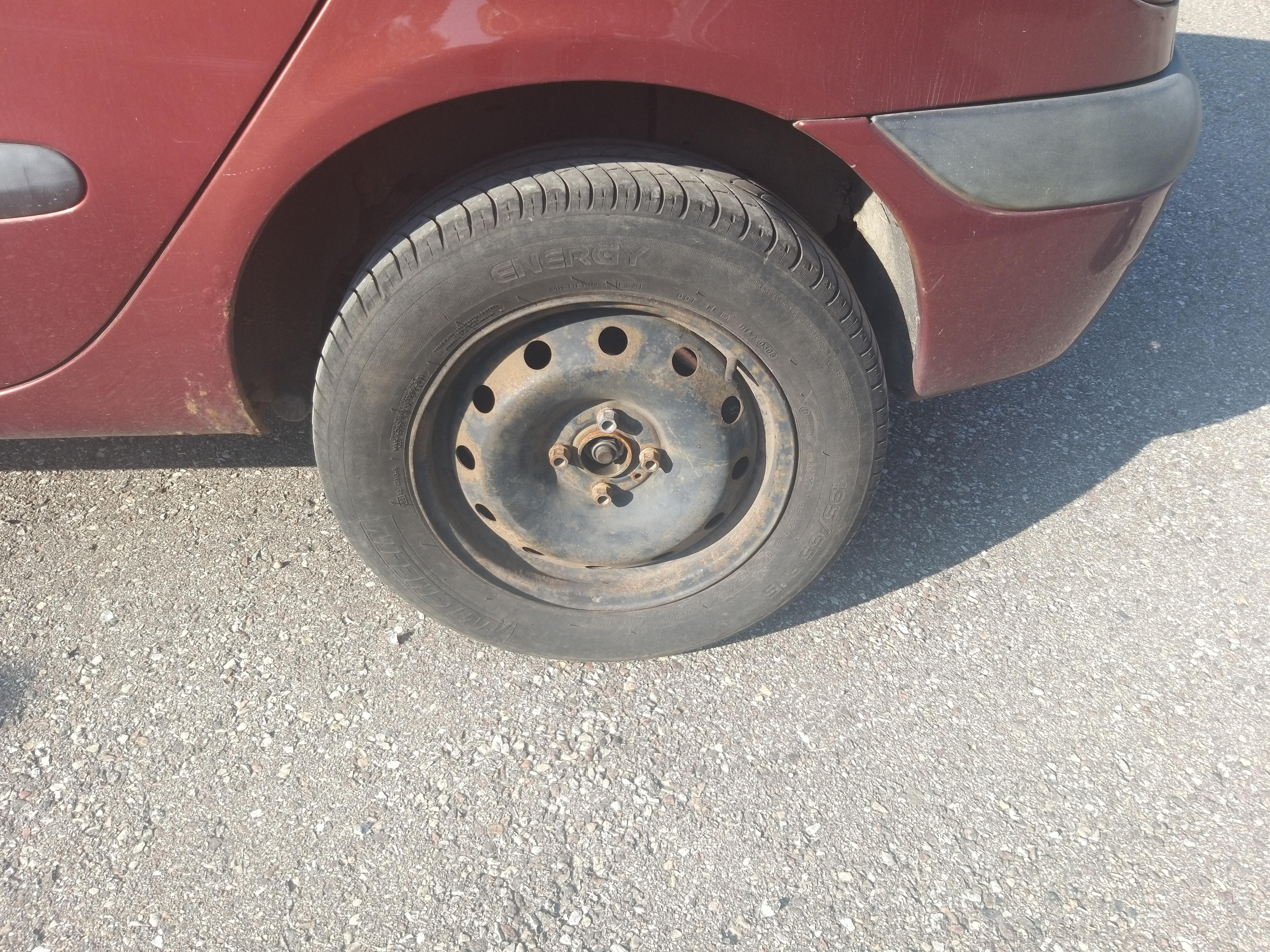 Naudotos automobiliu dallys Foto 5 Renault SCENIC 2003 1.6 Mechaninė Vienatūris 4/5 d. Raudona 2019-9-09 A4737