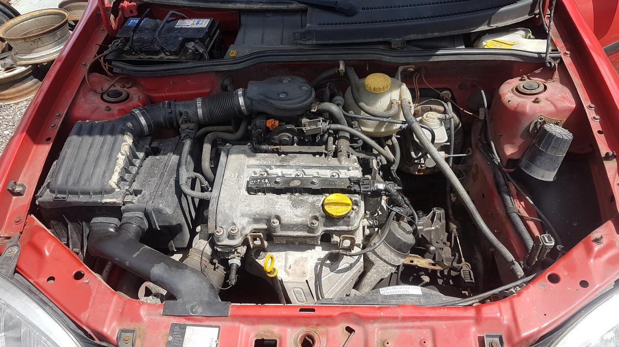 Подержанные Автозапчасти Foto 8 Opel CORSA 1998 1.0 машиностроение хэтчбэк 2/3 d. красный 2017-7-07 A3347