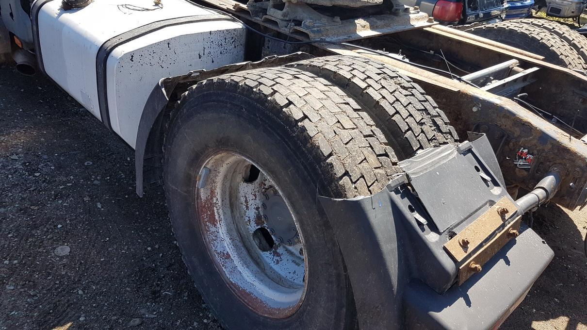 Naudotos automobilio dalys Truck - Renault PREMIUM 2002 11.1 Mechaninė Vilkikas 2/3 d. Balta 2017-5-17
