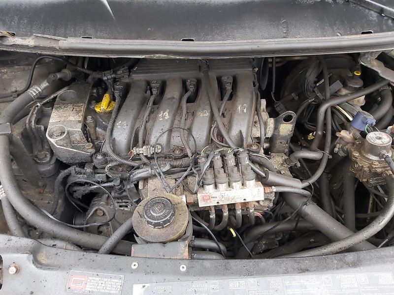 Naudotos automobiliu dallys Foto 2 Renault ESPACE 2002 2.0 Mechaninė Vienatūris 4/5 d. Sidabrine 2020-1-21 A5026