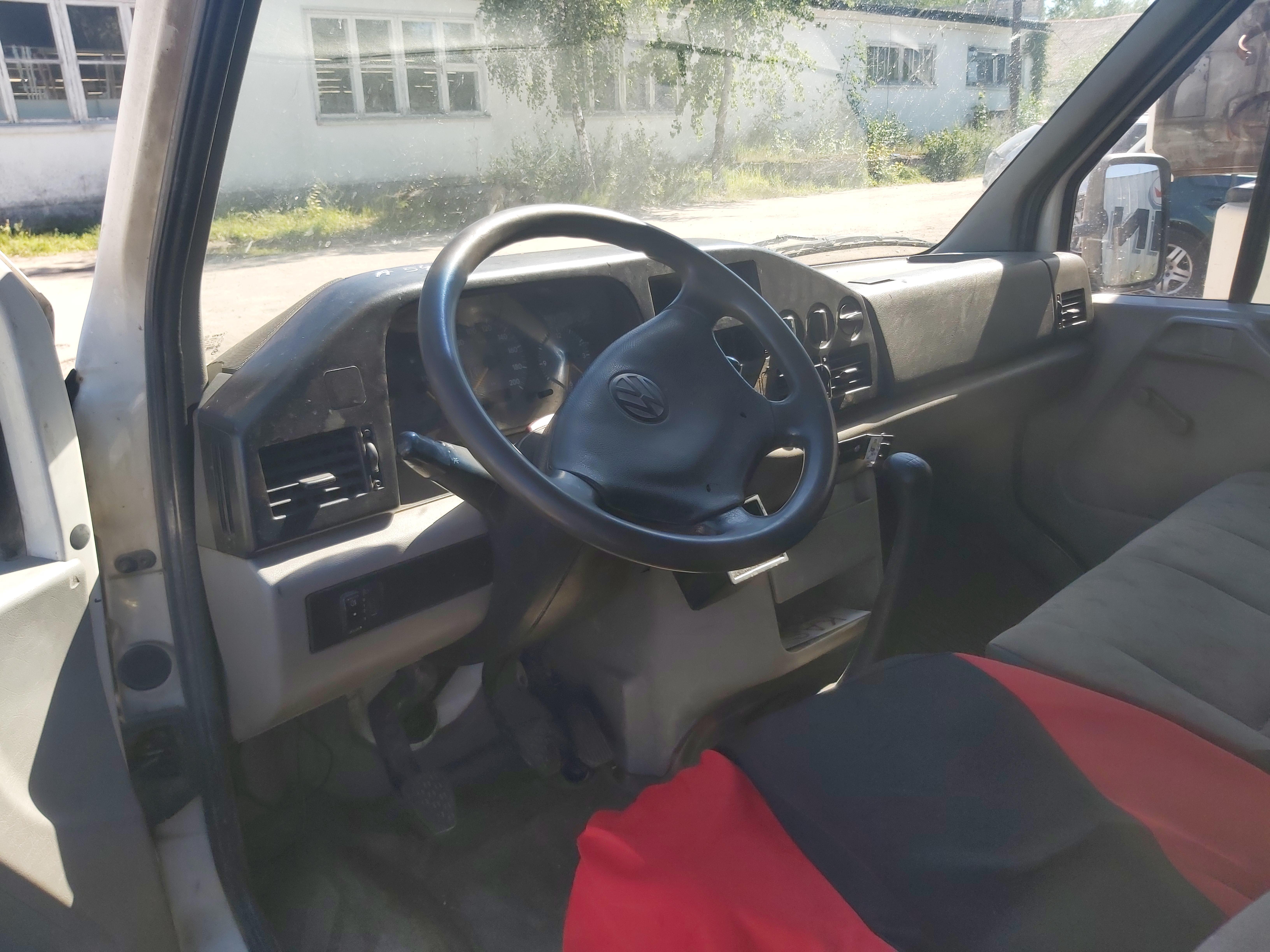 Подержанные Автозапчасти Volkswagen LT 2002 2.5 машиностроение микроавтобус 2/3 d. белый 2020-8-06