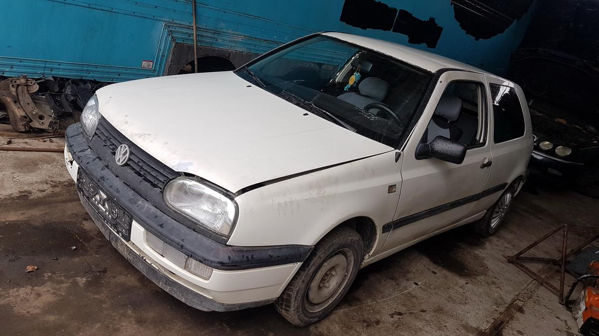 Volkswagen GOLF 1993 1.9 машиностроение