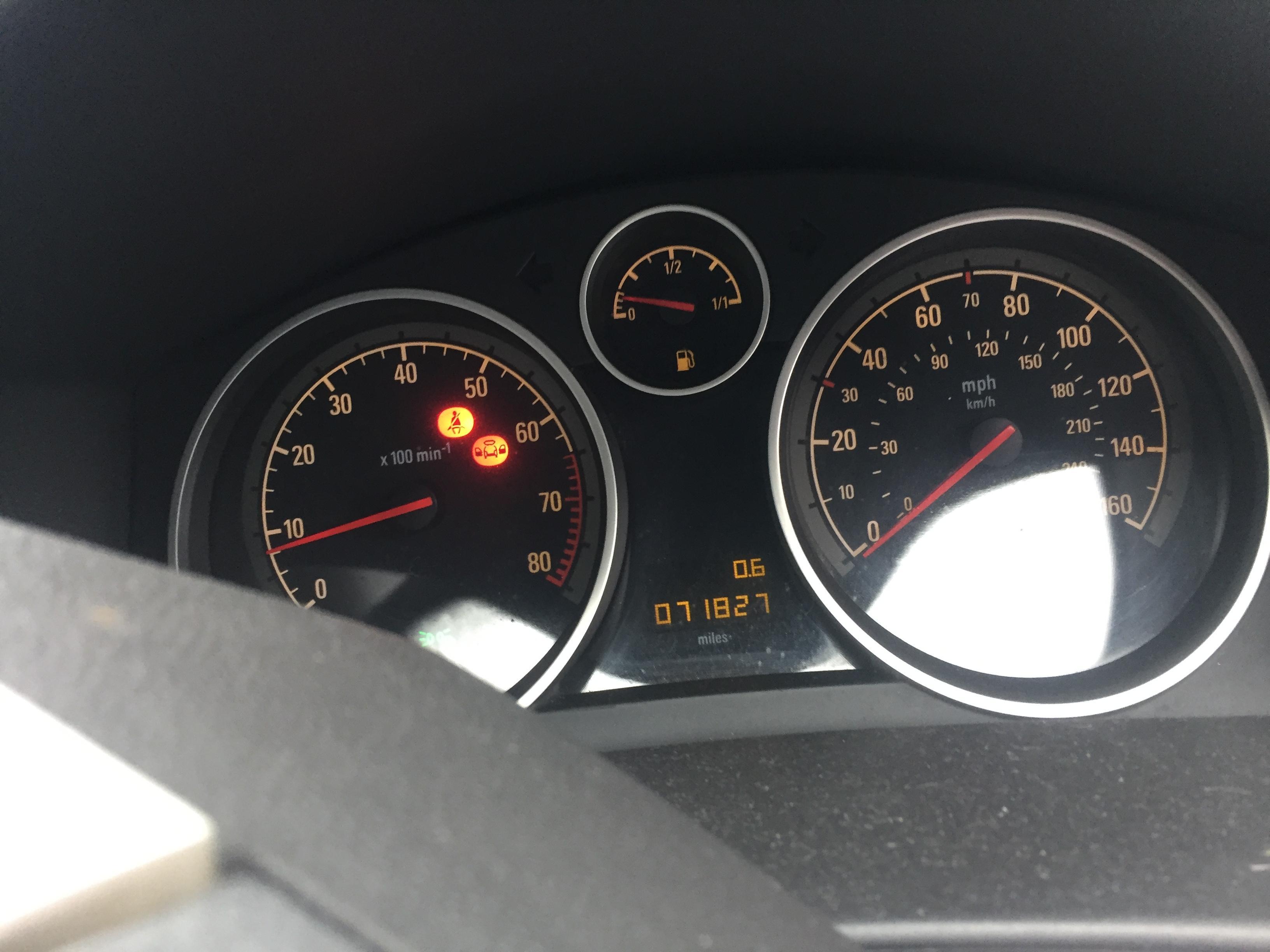 Naudotos automobiliu dallys Foto 8 Opel ASTRA 2007 1.8 Mechaninė Kabrioletas 2/3 d. Melyna 2019-1-28 A4277