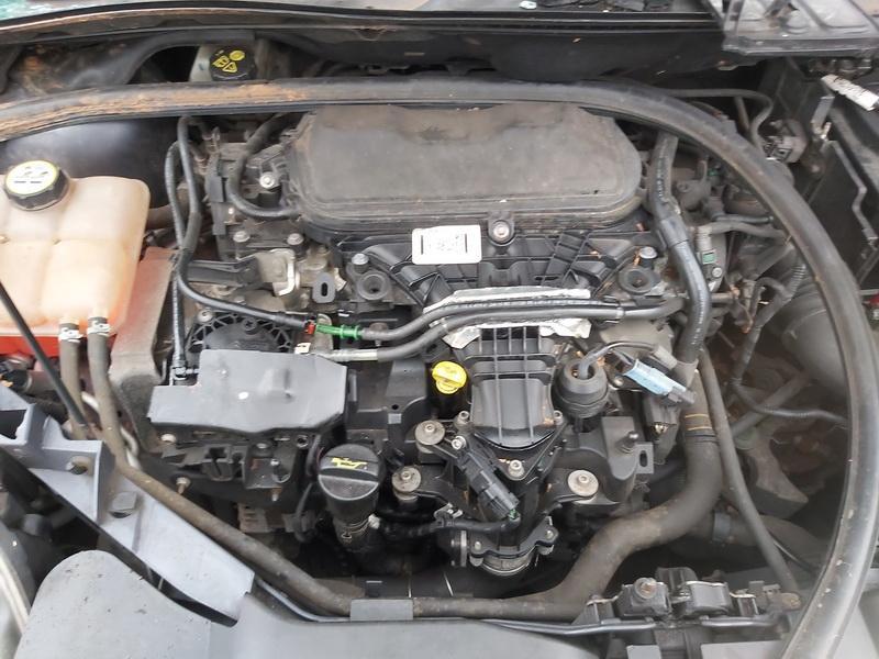 Naudotos automobiliu dallys Foto 2 Ford KUGA 2011 2.0 Mechaninė Visureigis 4/5 d. Melyna 2020-3-10 A5119