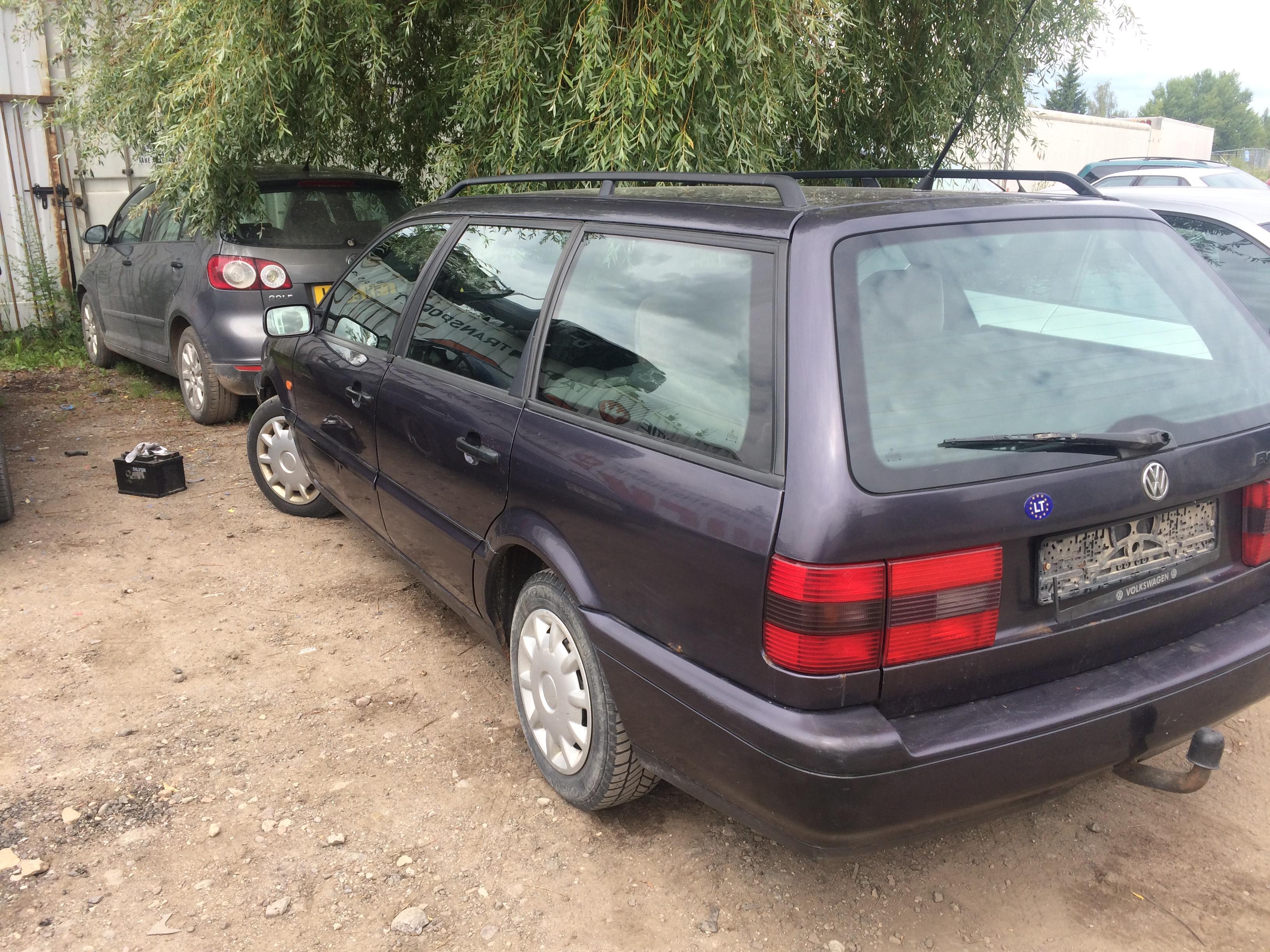 Naudotos automobiliu dallys Foto 6 Volkswagen PASSAT 1994 1.8 Mechaninė Universalas 4/5 d. Violetine 2018-7-10 A3921
