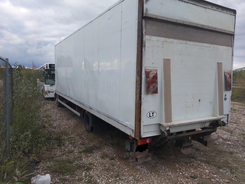 Naudotos automobiliu dallys Foto 3 Truck - Renault MIDLUM 2005 6.2 Mechaninė Sunkvezimis 2/3 d. Balta 2020-10-15 A5761