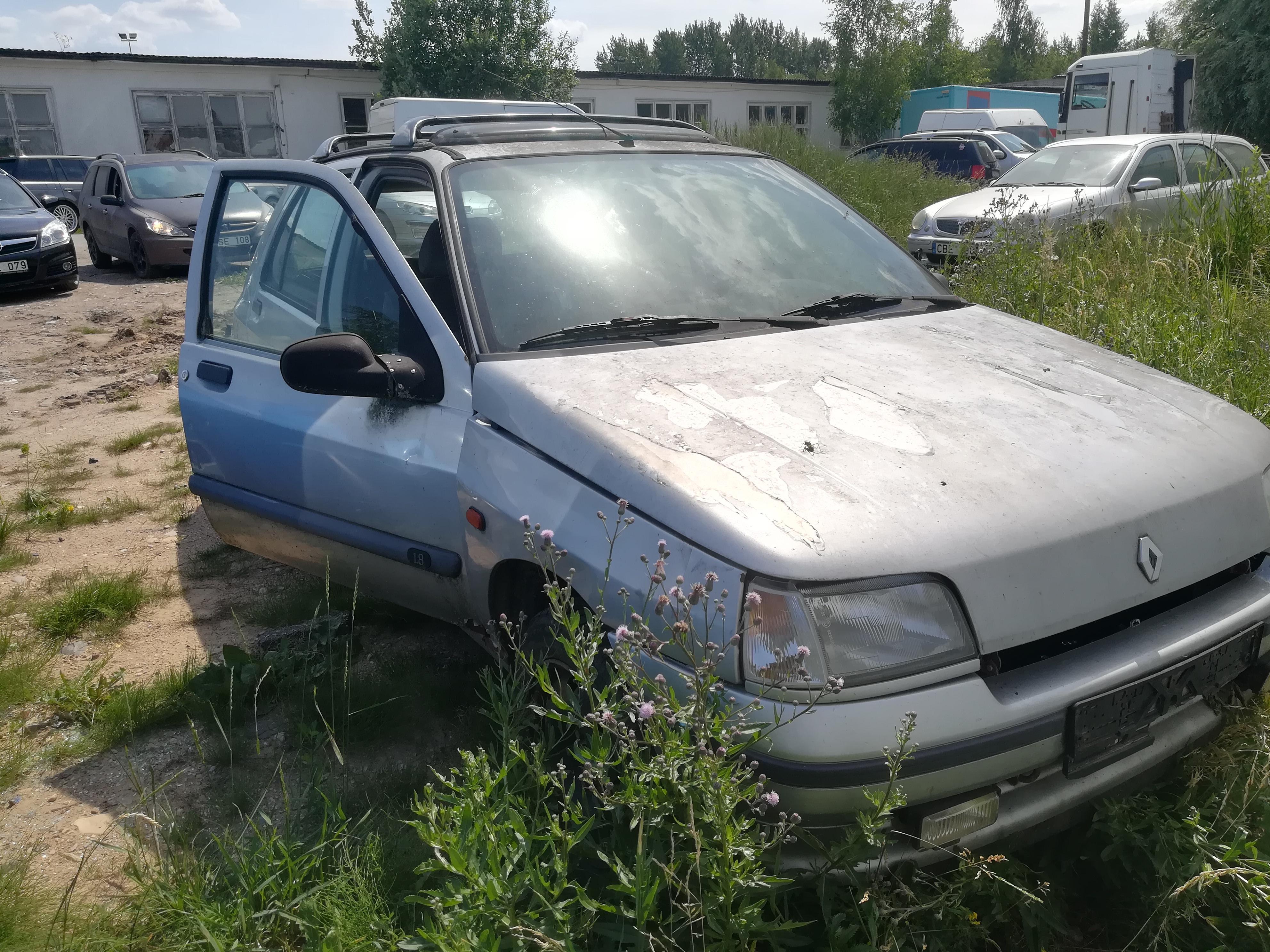 Naudotos automobiliu dallys Foto 8 Renault CLIO 1995 1.8 Automatinė Hečbekas 4/5 d. Sidabrine 2019-6-26 A4580