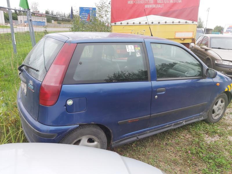 Naudotos automobiliu dallys Foto 9 Fiat PUNTO 1999 1.2 Mechaninė Hečbekas 2/3 d. Melyna 2020-9-14 A5661