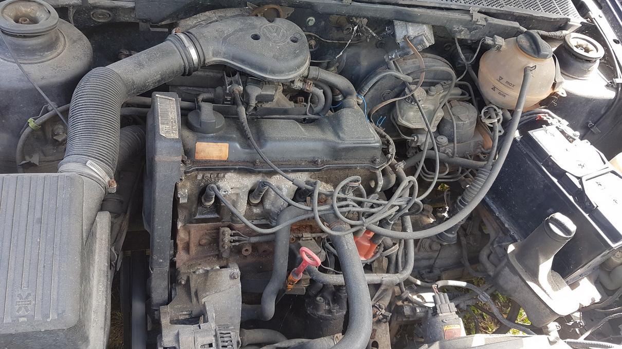 Naudotos automobiliu dallys Foto 8 Volkswagen GOLF 1995 1.8 Mechaninė Kabrioletas 2/3 d. Violetine 2017-6-23 A3338