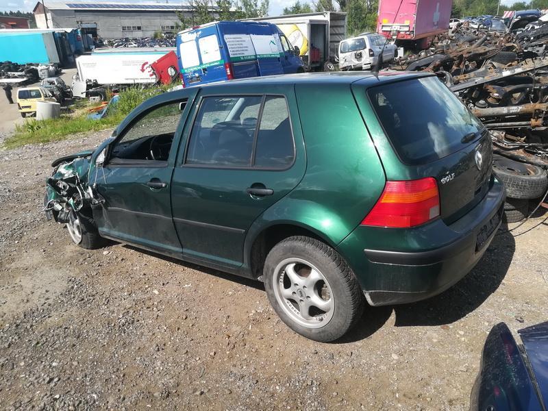 Naudotos automobiliu dallys Foto 8 Volkswagen GOLF 1999 1.9 Mechaninė Hečbekas 4/5 d. Zalia 2019-7-15 A4625