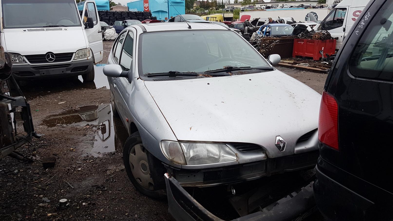 Naudotos automobiliu dallys Foto 2 Renault MEGANE 1998 1.6 Mechaninė Hečbekas 4/5 d. Pilka 2018-7-02 A3908
