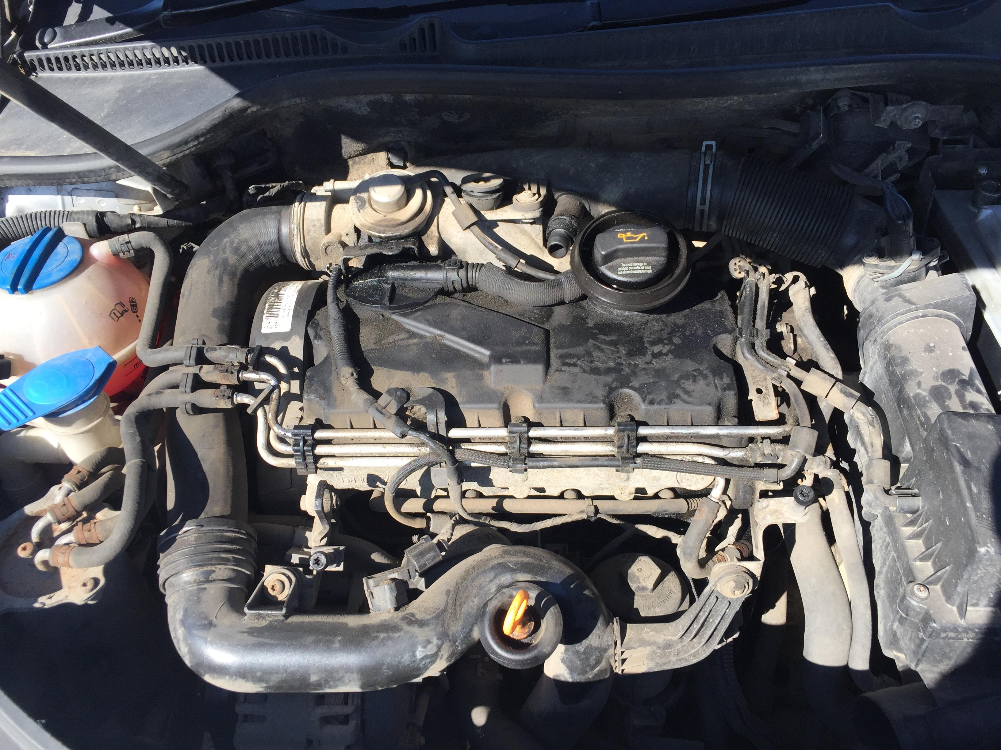 Naudotos automobiliu dallys Foto 5 Volkswagen GOLF 2005 1.9 Mechaninė Hečbekas 4/5 d. Sidabrine 2017-8-30 A3431