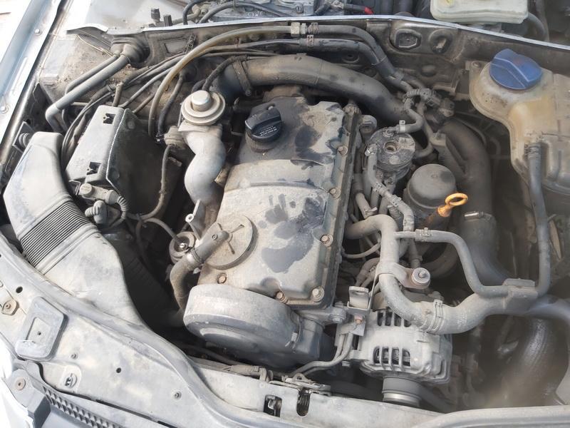 Naudotos automobiliu dallys Foto 2 Volkswagen PASSAT 2001 1.9 Mechaninė Universalas 4/5 d. Pilka 2020-7-27 A5463
