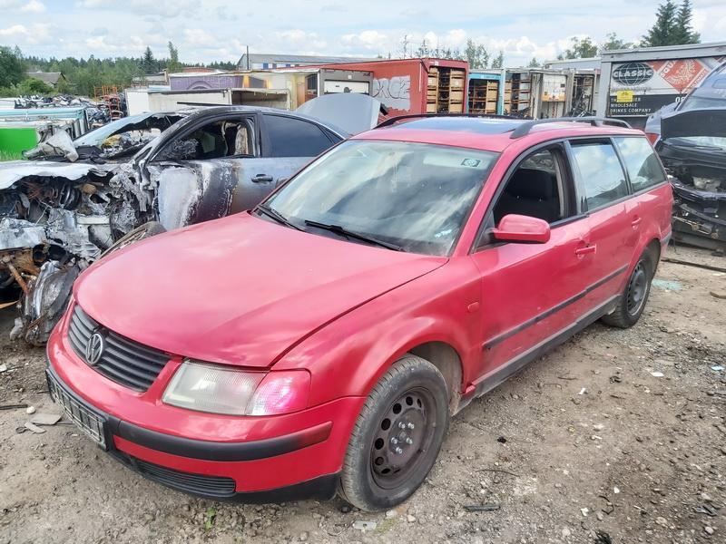 Подержанные Автозапчасти Foto 4 Volkswagen PASSAT 1996 1.6 машиностроение универсал 4/5 d. красный 2020-6-23 A5380