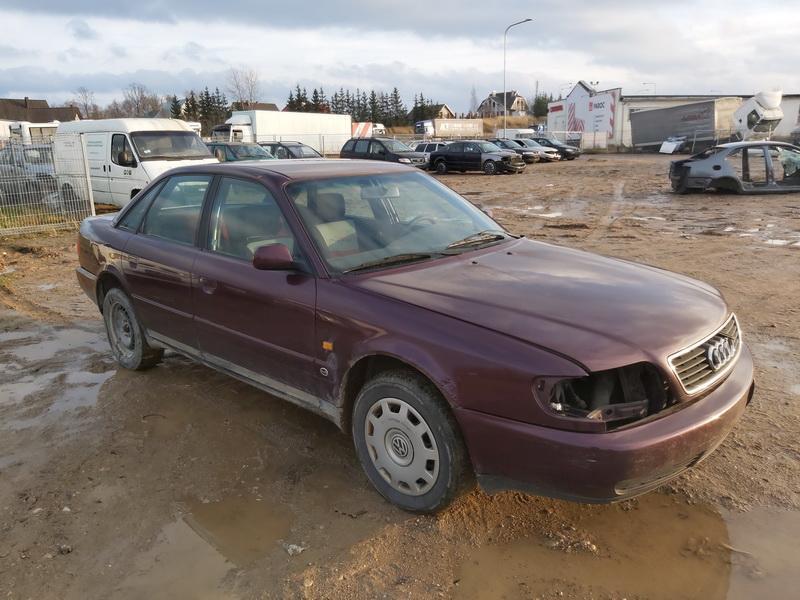 Подержанные Автозапчасти Foto 1 Audi A6 1994 1.9 машиностроение седан 4/5 d. красный 2020-11-19 A5835