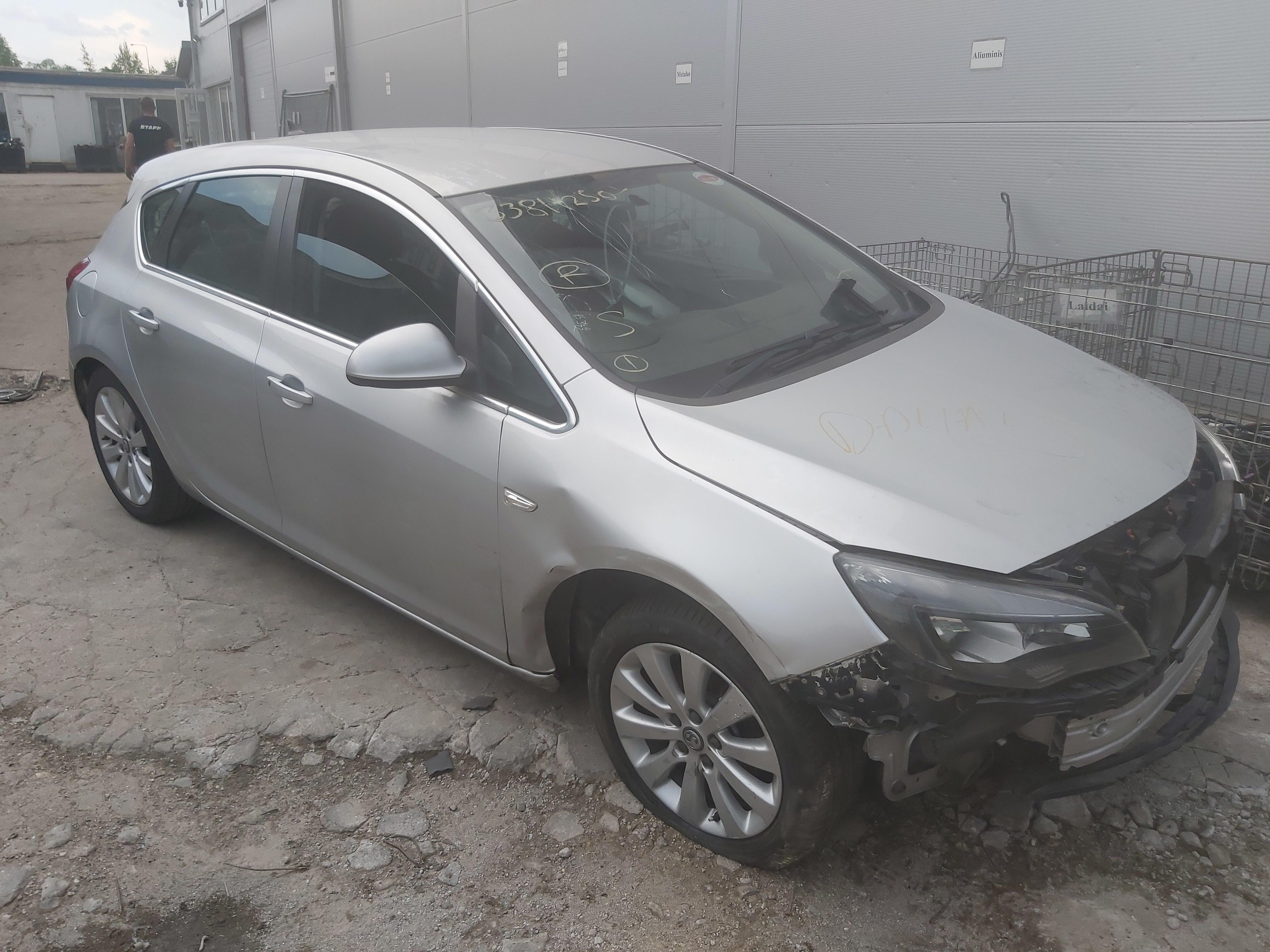 Naudotos automobilio dalys Opel ASTRA 2013 1.7 Mechaninė Hečbekas 4/5 d. Sidabrine 2020-6-08