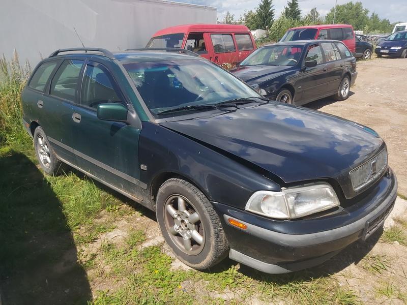 Naudotos automobilio dalys Volvo V40 1998 1.8 Mechaninė Universalas 4/5 d. Zalia 2020-7-09