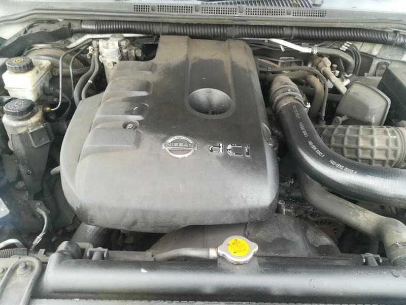 Подержанные Автозапчасти Foto 2 Nissan PATHFINDER 2005 2.5 машиностроение напрямик 4/5 d. серебро 2019-10-31 A4872