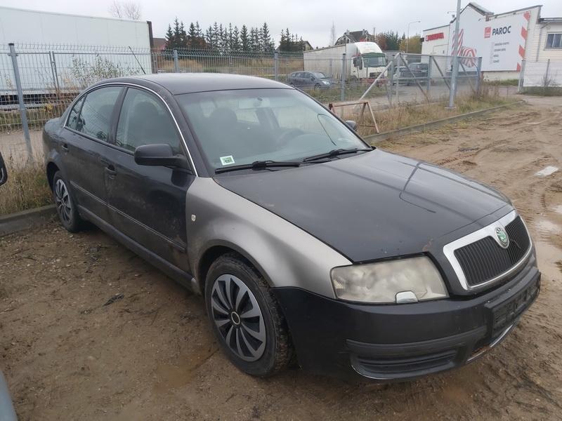 Naudotos automobilio dalys Skoda SUPERB 2005 2.0 Mechaninė Sedanas 4/5 d. Juoda 2020-10-30