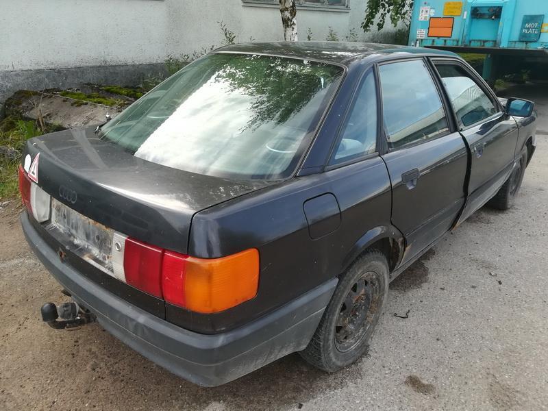 Naudotos automobiliu dallys Foto 8 Audi 80 1990 1.9 Mechaninė Sedanas 4/5 d. Juoda 2019-9-17 A4760
