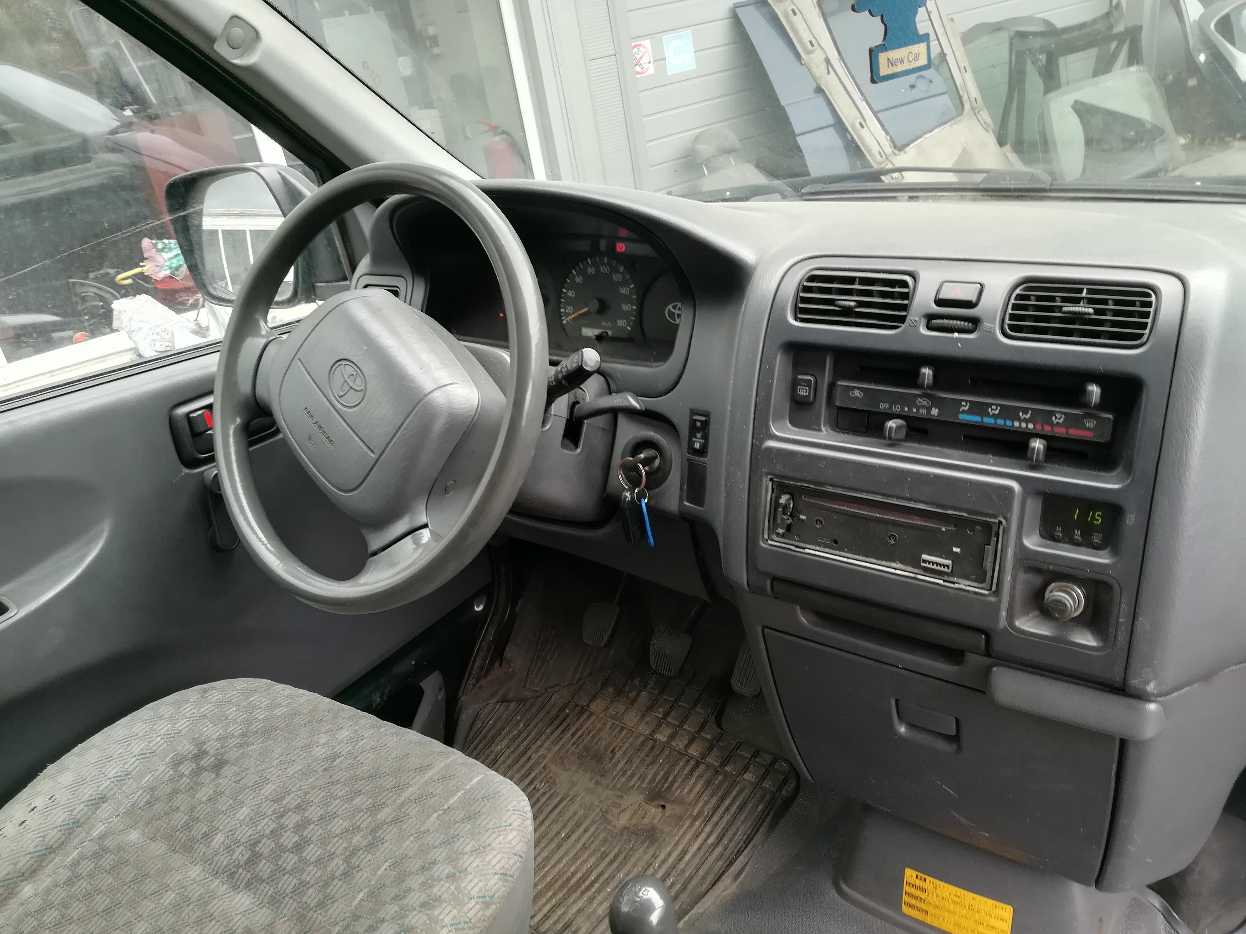 Naudotos automobilio dalys Toyota HIACE 2005 2.5 Mechaninė Krovininis mikroautobusas 4/5 d. Zalia 2019-5-02
