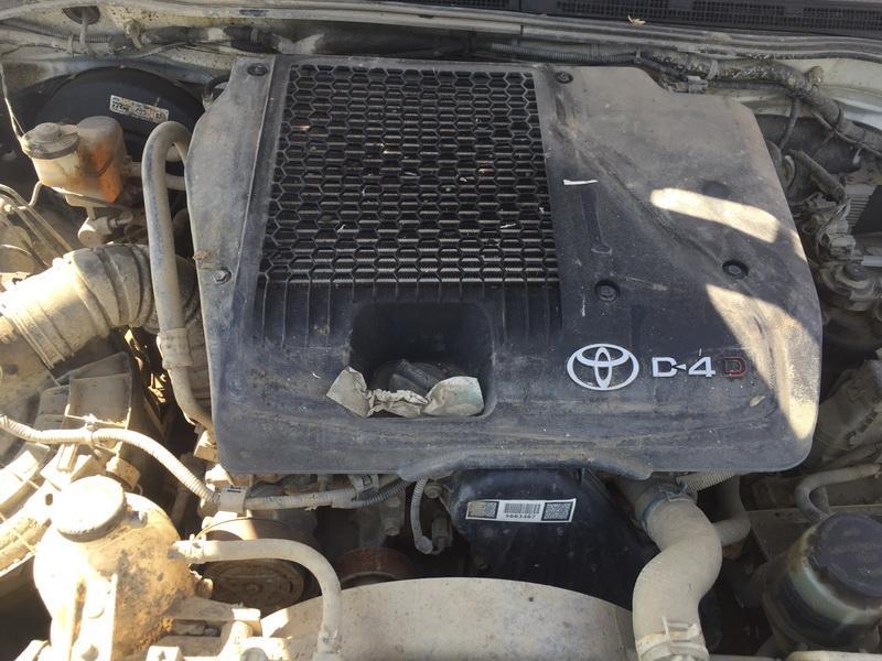 Naudotos automobiliu dallys Foto 4 Toyota HILUX 2012 2.5 Mechaninė Visureigis 4/5 d. Balta 2018-5-16 A3759