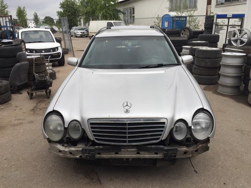 Naudotos automobiliu dallys Foto 3 Mercedes-Benz E-CLASS 1999 2.7 Mechaninė Universalas 4/5 d. Sidabrine 2018-6-12 A3856