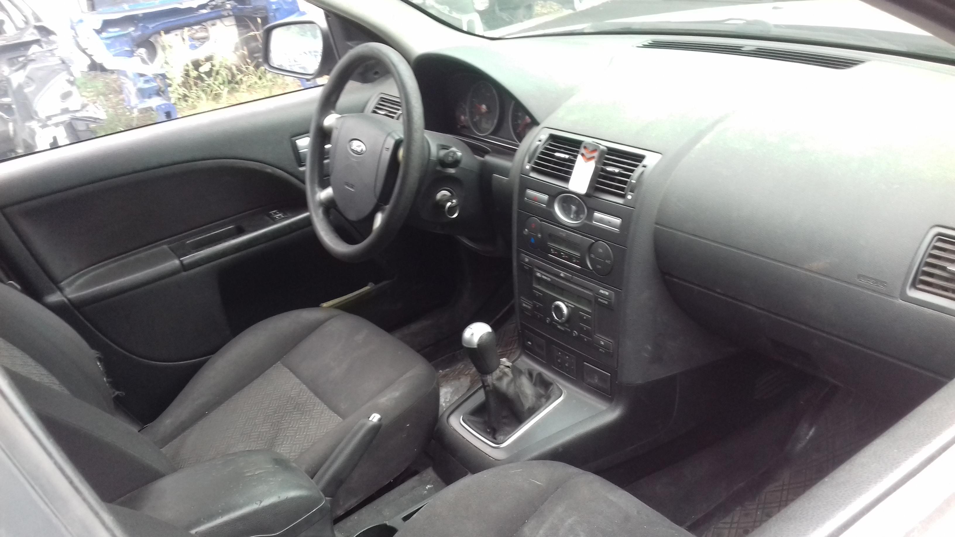 Naudotos automobilio dalys Ford MONDEO 2004 2.0 Mechaninė Universalas 4/5 d. Pilka 2019-9-16