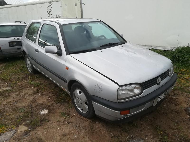 Naudotos automobiliu dallys Foto 3 Volkswagen GOLF 1995 1.9 Mechaninė Hečbekas 2/3 d. Pilka 2019-10-15 A4835