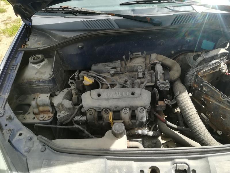 Naudotos automobiliu dallys Foto 2 Renault CLIO 2002 1.2 Mechaninė Hečbekas 2/3 d. Melyna 2019-7-03 A4603