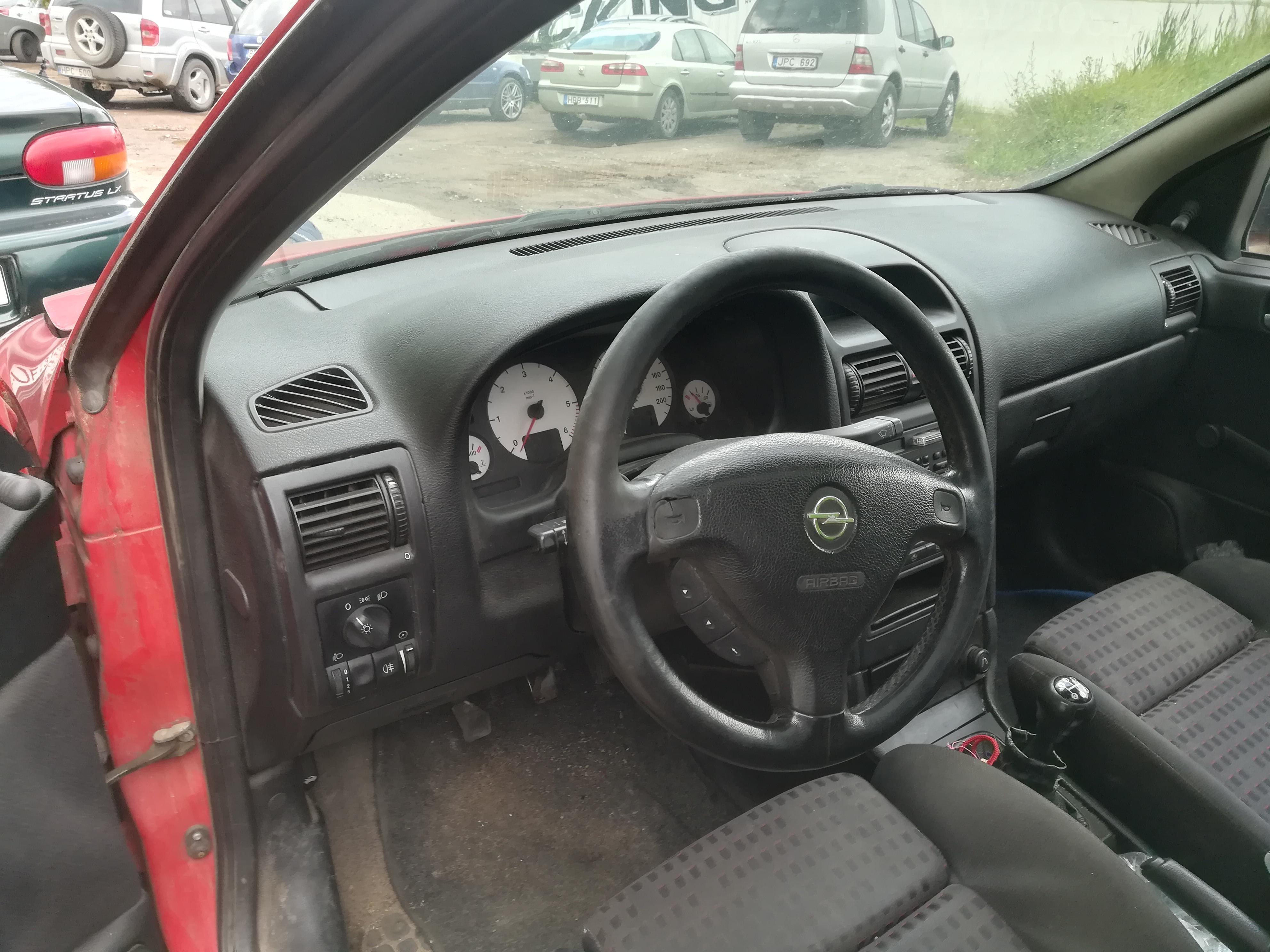 Naudotos automobiliu dallys Foto 7 Opel ASTRA 1999 2.0 Mechaninė Universalas 4/5 d. Raudona 2019-7-18 A4637